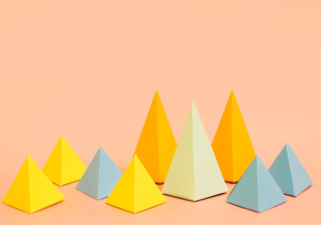 Colección de papel triangular