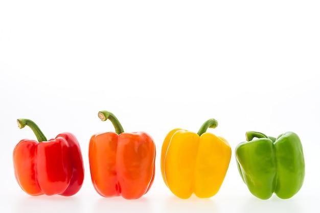 Colección de pimientos coloridos