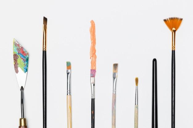 Colección de pinceles para pintar