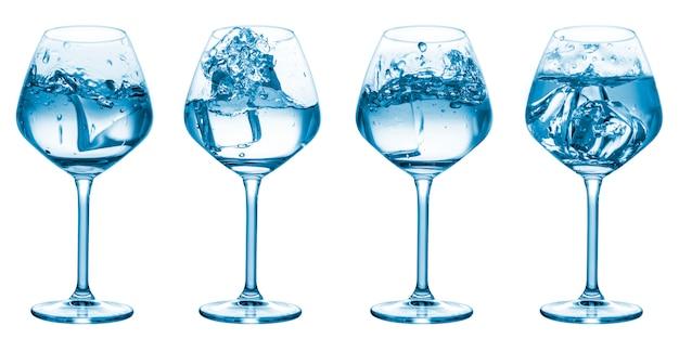 Colección de salpicaduras de agua en vasos