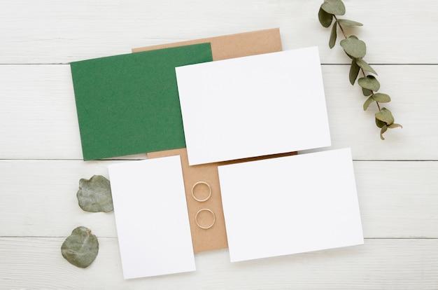 Colección simple de invitaciones de boda