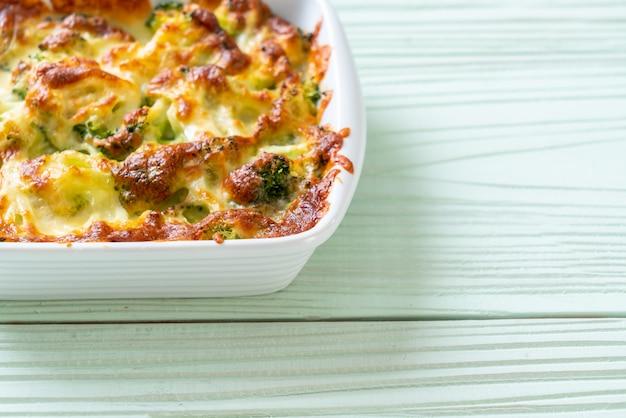 Coliflor al horno y brócoli con queso