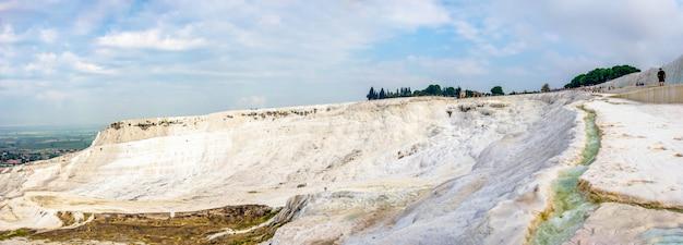 La colina de pamukkale en turquía