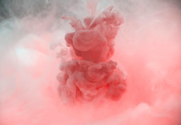Color acrílico disuelto en agua.