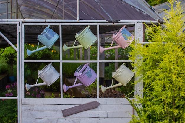 Color dulce de herramientas de jardinería
