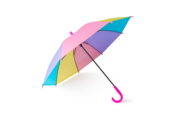 Colores del arco iris pastel de paraguas aislado sobre fondo blanco.