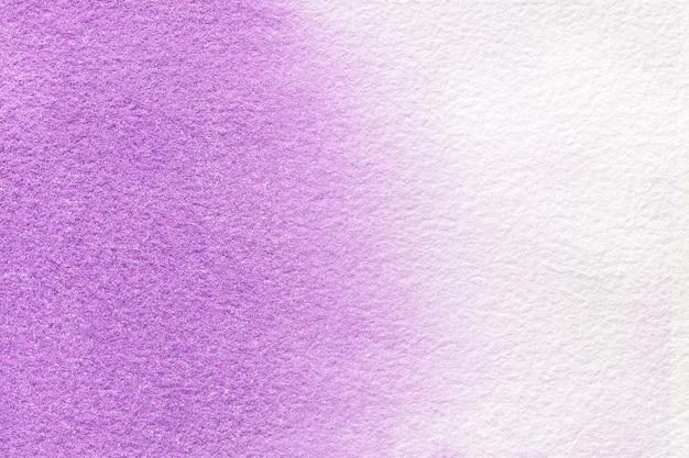 Colores de fondo purpúreos claros y blancos del arte abstracto. acuarela sobre lienzo.