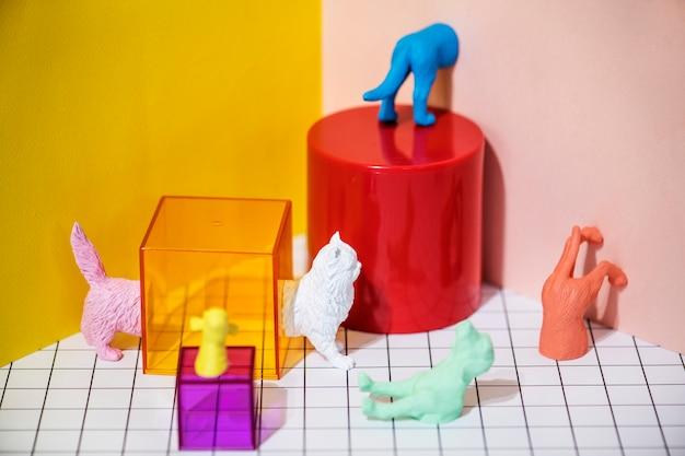 Coloridas y brillantes figuras miniatura de mascotas