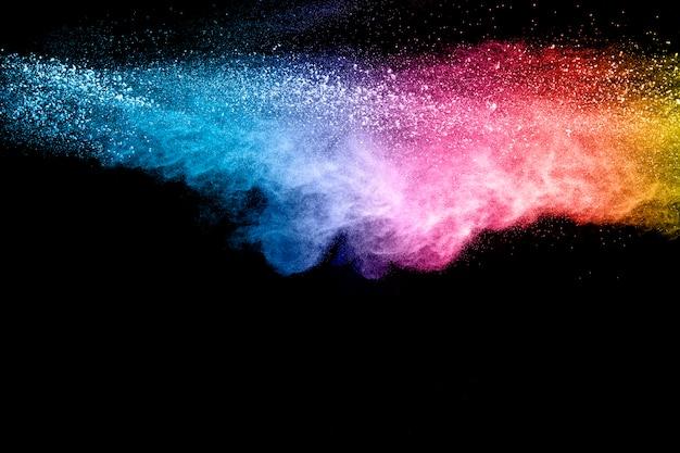Colorido de explosión de polvo pastel