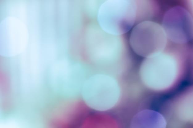 Colorido con luces desenfocadas.