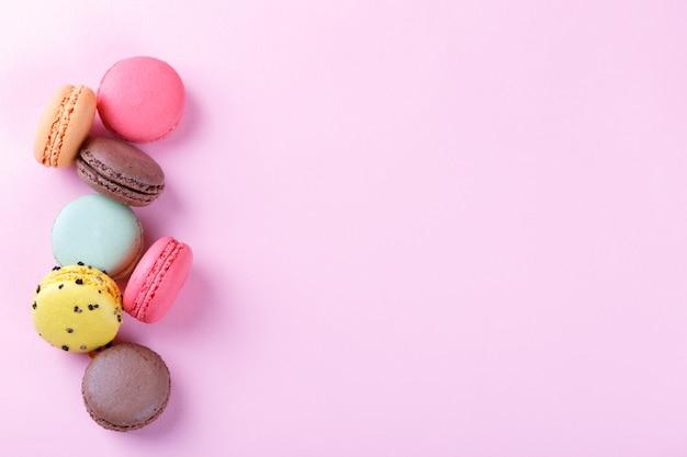 Coloridos macarons franceses