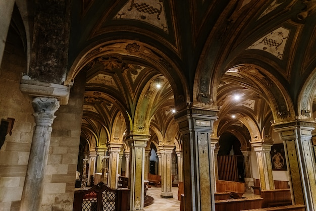 Columnas de la cripta de la catedral.
