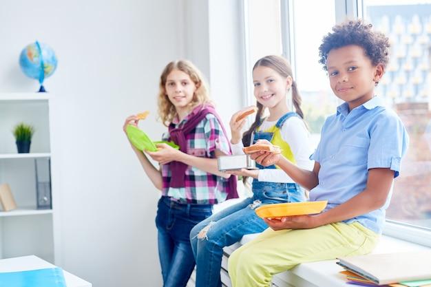 Comer después de la clase