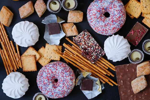 Comida de azúcar poco saludable. los productos causan diabetes
