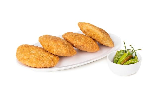 Comida callejera india kachori picante
