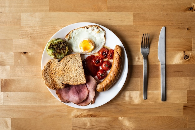 Comida de desayuno simple para ideas de conceptos matutinos