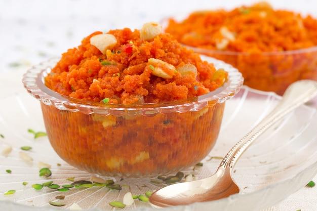 Comida dulce popular india zanahoria halwa