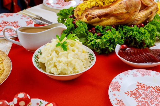 Comida festiva tradicional para navidad o día de acción de gracias.