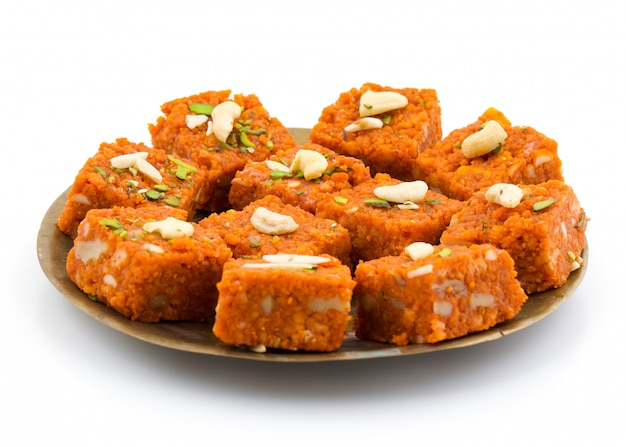Comida india dulce akhrot halwa