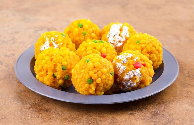 Comida india dulce laddu