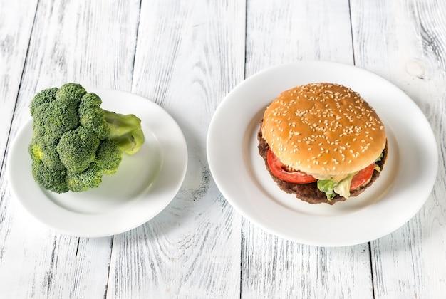 Comida poco saludable vs saludable