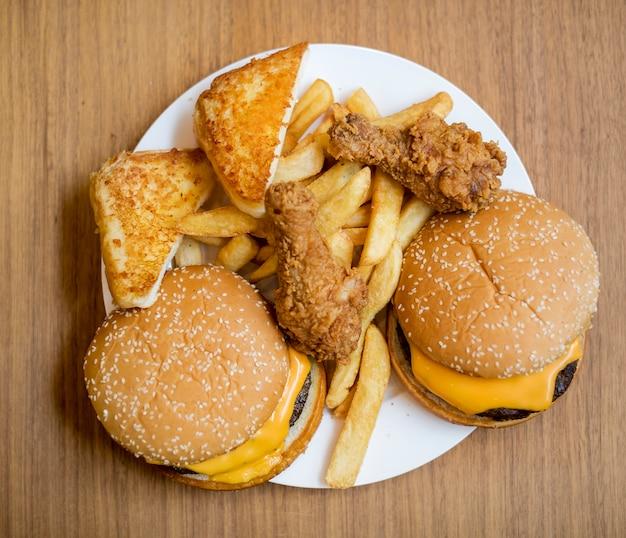 Comida rápida engorde y poco saludable.