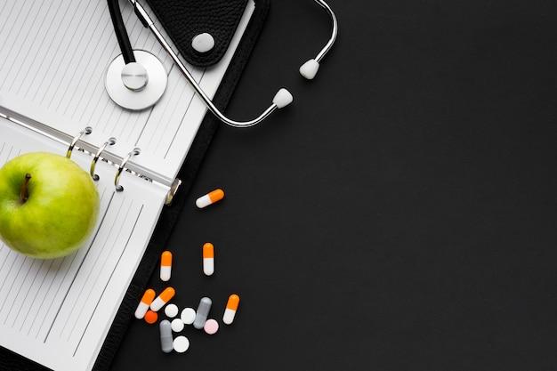 Comida saludable y medicina adecuada para la gripe
