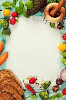 Comida sana, ingredientes, aguacate, sobre fondo rústico