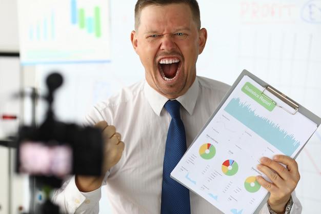 La compañía principal de emociones del informe estadístico.