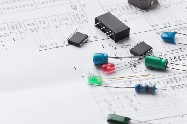 Componentes electrónicos de primer plano