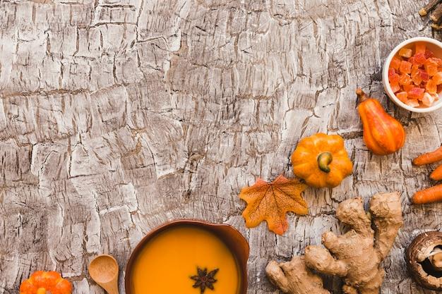 Composición de alimentos de otoño en la mesa