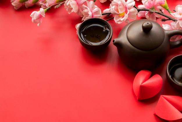 Composición de año nuevo chino con té