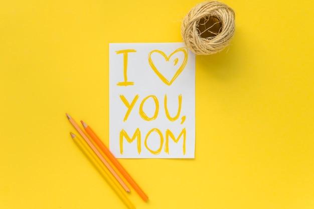 Composición de artículos para el día de la madre.