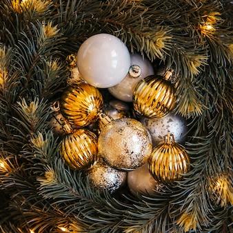 Composición de bolas de navidad