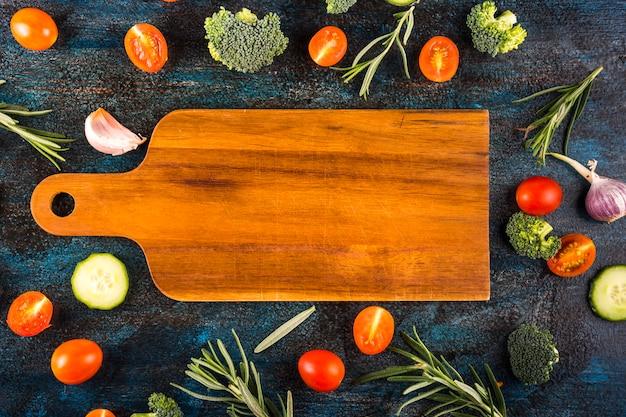 Composición colorida de comida ocn ingrdientes sanos