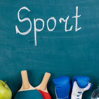 Composición colorida de deporte con elementos de gimnasio