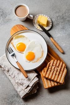 Composición de comida de desayuno nutritiva endecha plana