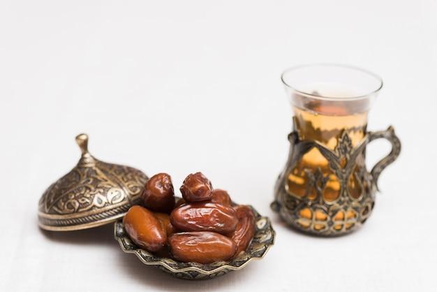 Composición de comida para ramadan