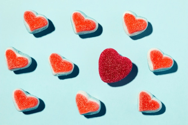 Composición de corazones hermosos en azul