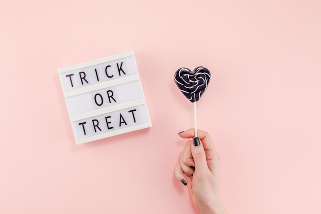 Composición creativa del día dulce de halloween