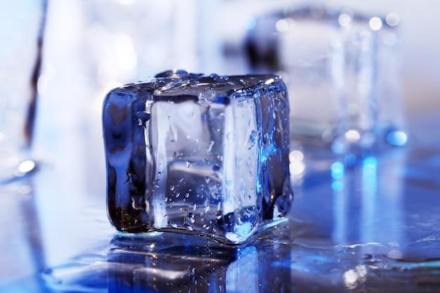 Composición de cubitos de hielo.