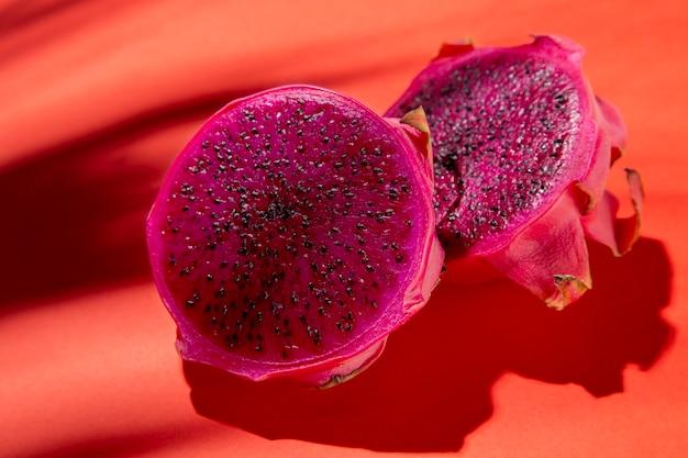 Composición de deliciosa fruta exótica del dragón.