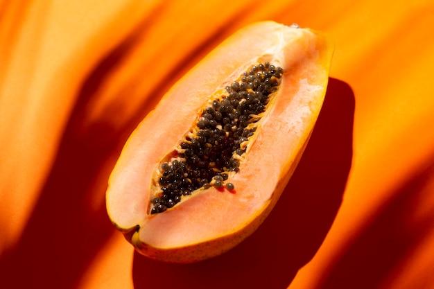 Composición de deliciosa papaya exótica