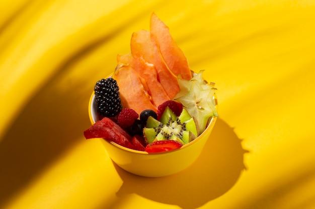 Composición de deliciosas frutas exóticas