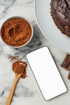 Composición de delicioso pastel de chocolate