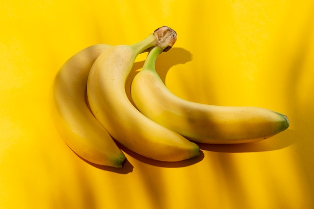 Composición de deliciosos plátanos exóticos.