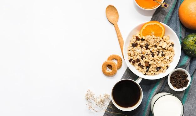 Composición de desayuno con copyspace