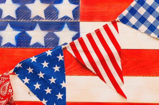 Composición para el día de la independencia de eeuu con banners de bandera