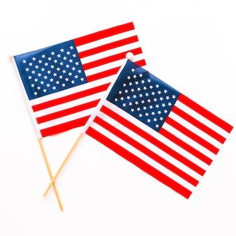 Composición para el día de la independencia de eeuu con dos banderas