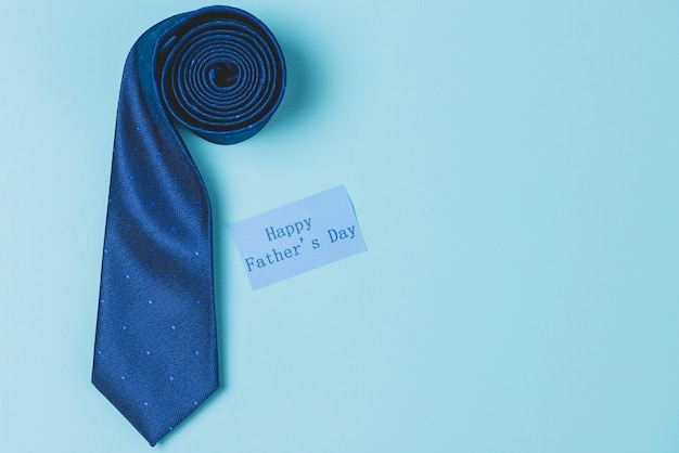 Composición del día del padre con corbata